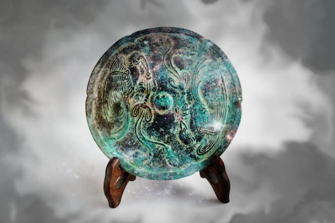 Bí ẩn chiếc gương ma thuật vùng Viễn Đông
