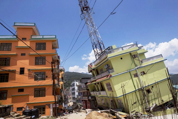 """Trái đất """"cựa quậy"""" dưới ảnh hưởng của siêu động đất ở Nepal"""