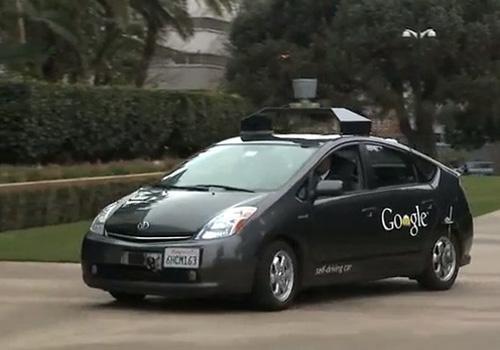 """Xe hơi tự lái của Google sắp """"trình diễn"""" trên đường phố"""