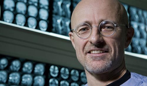 """Bác sĩ Italy: """"Cấy ghép đầu giúp con người tiến gần bất tử"""""""
