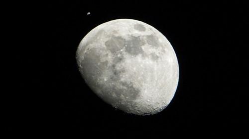 Trung Quốc sẽ đưa tàu vũ trụ thám hiểm vùng tối mặt trăng