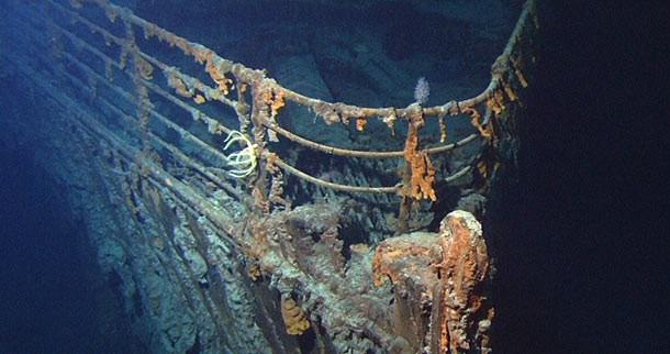 """Cuốn tiểu thuyết có tên gọi """"Futility, Or The Wreck of the Titan"""" (tạm dịch: Sự phù phiếm, hay Vụ đắm tàu của Titan) của Morgan Robertson viết năm 1898 đã tiên đoán chính xác về vụ đắm tàu Titanic."""