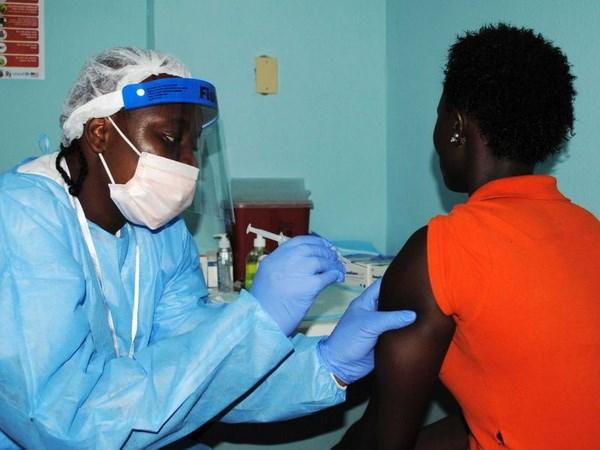 """Các nhà khoa học tìm ra """"gót chân Achilles"""" của virus Ebola"""