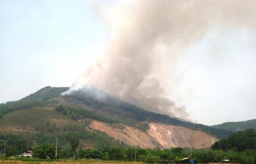 Rừng phòng hộ Thanh Hóa cháy lớn