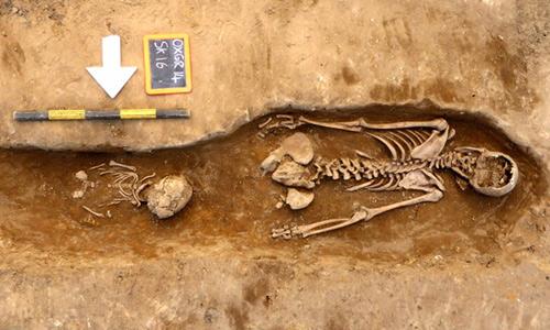 Khai quật  92 bộ xương thời Trung cổ ở nhà thờ Anh