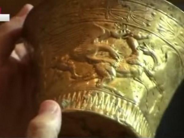 Nga phát hiện chiếc cóng bằng vàng khối 2.400 năm tuổi