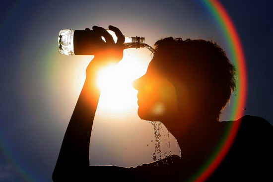 Nắng nóng ảnh hưởng đến cơ thể con người như thế nào?