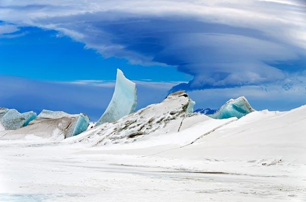 Lý giải nguyên nhân băng Nam cực có màu xanh