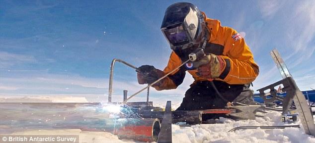 Những công việc bình thường trở nên vô cùng khó khăn tại Nam Cực