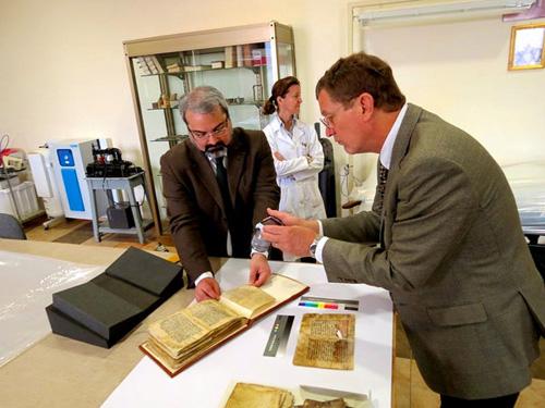 Phát hiện phương thuốc bí ẩn 2000 năm giấu trong sách cổ