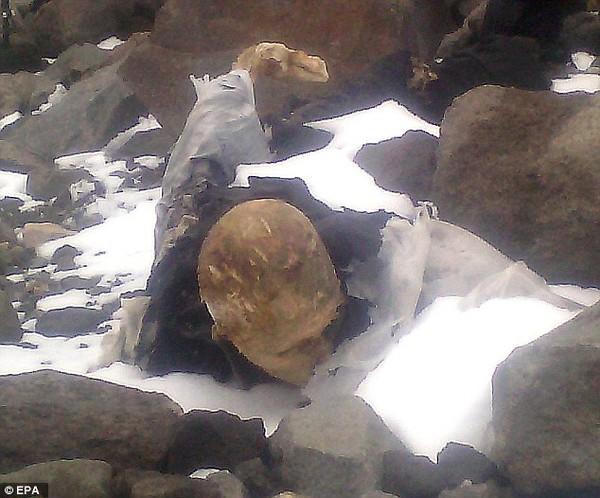 Bí ẩn xác ướp trong sông băng trên núi