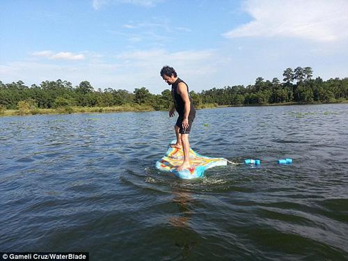 Thiết bị giúp bạn đi trên mặt nước