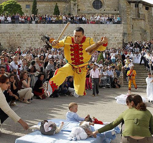 Khám phá lễ trừ tà lớn nhất Tây Ban Nha