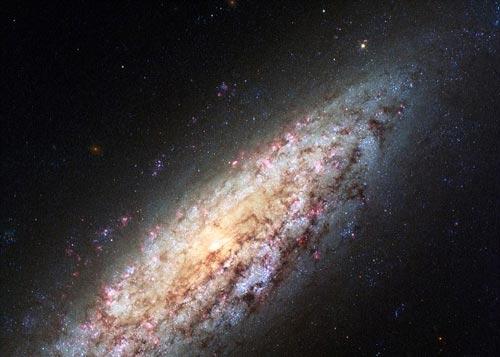 """Phát hiện thiên hà """"cô đơn nhất"""" vũ trụ"""