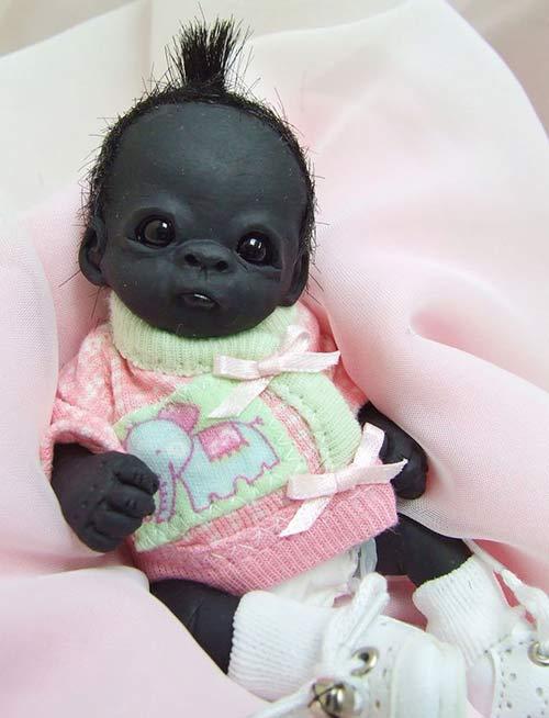 """Sự thật gây sốc về """"em bé Nam Phi đen nhất thế giới"""""""