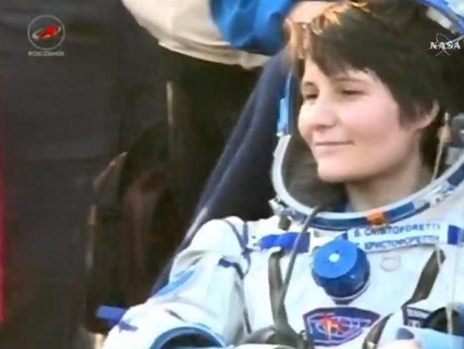 Nữ phi hành gia Italy lập kỷ lục thời gian sống ngoài Trái Đất