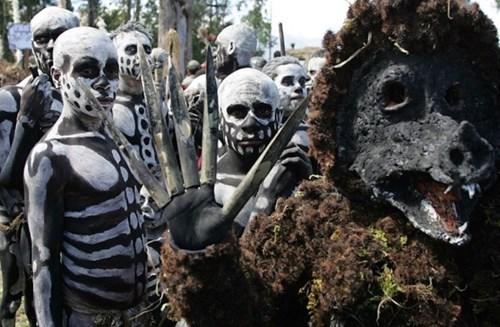 Phát hiện bộ lạc ăn thịt người ở Papua New Guinea