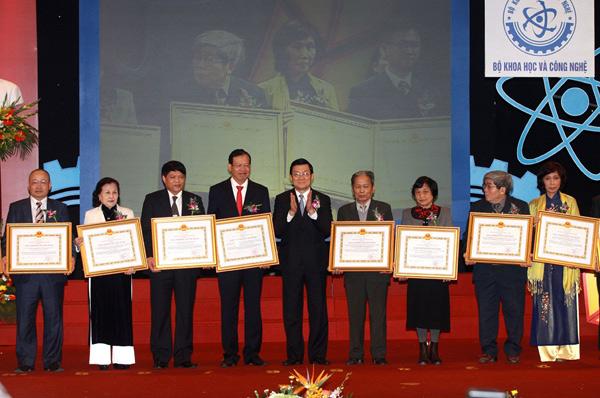 Xét tặng đợt 5 Giải thưởng Hồ Chí Minh và Giải thưởng Nhà nước về KH&CN