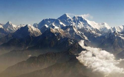 Núi Everest dịch chuyển sau động đất Nepal