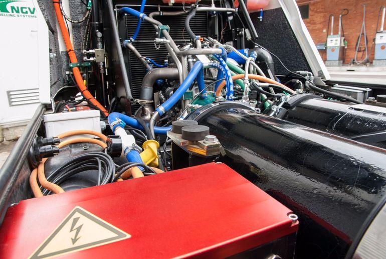 Xe quét đường dùng công nghệ hybrid