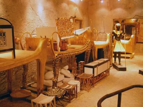 Pharaoh Ai Cập và những lời nguyền chết chóc