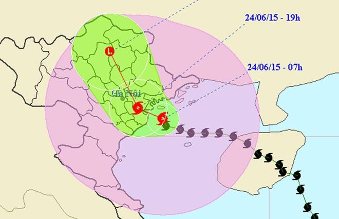Bão Kujira bất ngờ tăng cấp, áp sát miền Bắc