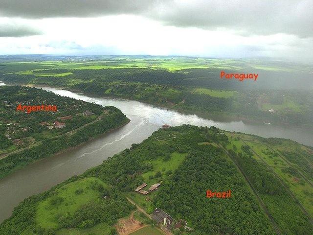 Đường biên giới giữa Argentina - Paraguay - Brazil