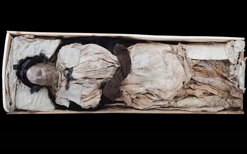 Bí ẩn xác trẻ sơ sinh chôn cùng giám mục Thụy Điển