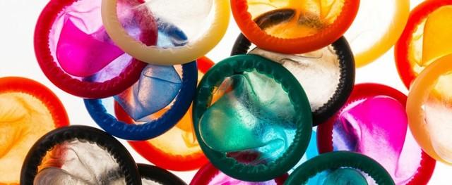 Học sinh trung học phát minh ra bao cao su đổi màu khi phát hiện bệnh