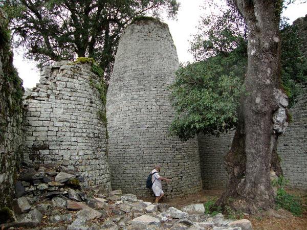 Bí ẩn kinh ngạc của vương quốc đá Đại Zimbabwe