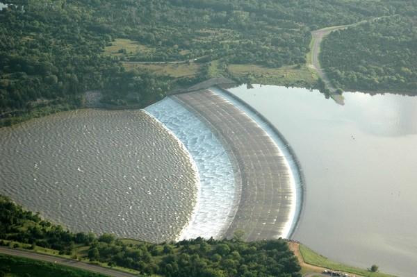 Xuất hiện xoáy nước khổng lồ tại Mỹ