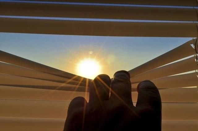 Chia sẻ 12 cách giúp cả nhà mát mẻ hơn trong những ngày nắng nóng