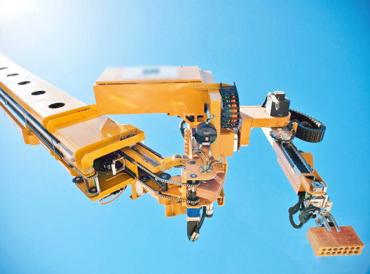 Robot thợ hồ xây một căn nhà chỉ trong 2 ngày
