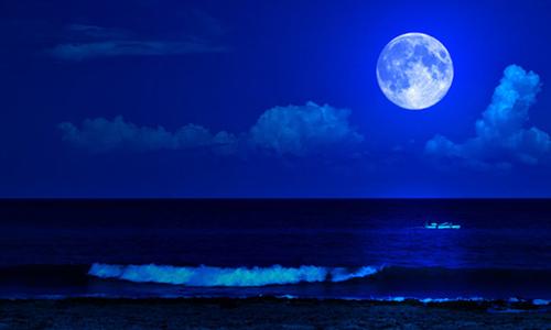 """Cuối tháng này sẽ có """"trăng xanh"""""""