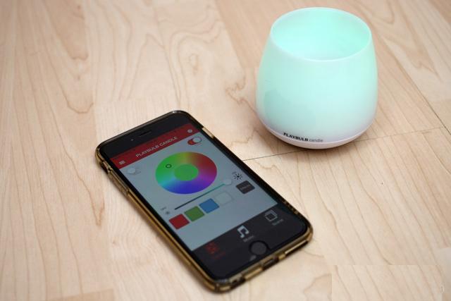 Đèn ngủ thông minh có khả năng thay đổi màu sắc PLAYBULB candle