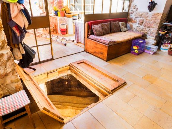 Phát hiện phòng tắm niên đại 2.000 năm của người Do Thái cổ