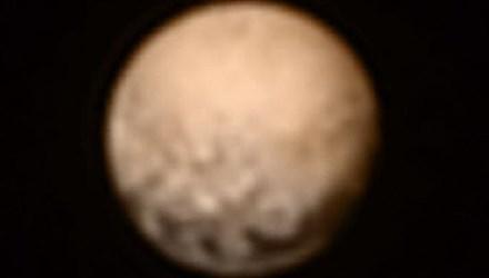 Hé lộ hình ảnh mới nhất về Sao Diêm Vương