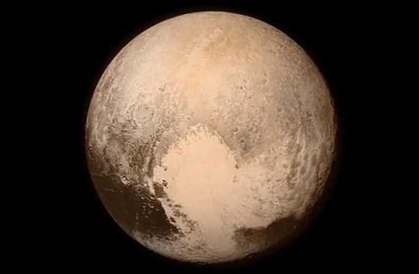 Loạt ảnh chân thực nhất về Sao Diêm Vương mới được công bố