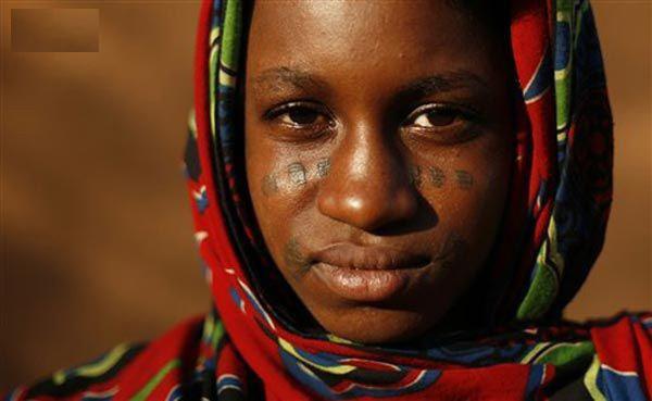 Xăm mặt, Tây Phi