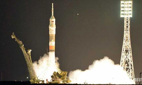 Sau hai tháng trì hoãn Nga phóng tàu chở người lên vũ trụ