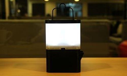 Đèn LED sáng suốt 8 tiếng nhờ một cốc nước muối