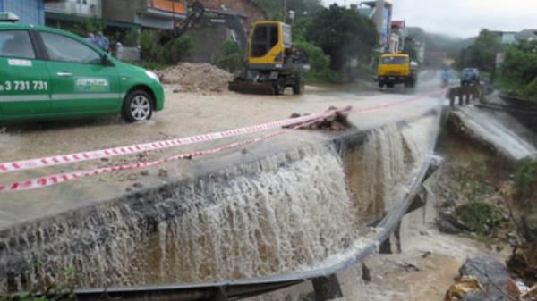 Nhiều tuyến quốc lộ khu vực phía Bắc bị sạt lở do mưa lũ