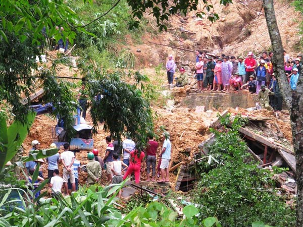 Quảng Ninh tan hoang sau cơn mưa lũ lịch sử