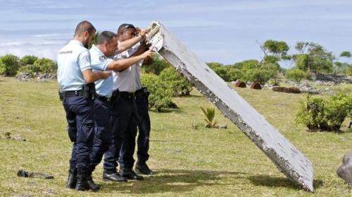 Các mảnh vỡ trôi dạt như thế nào khi máy bay gặp nạn?