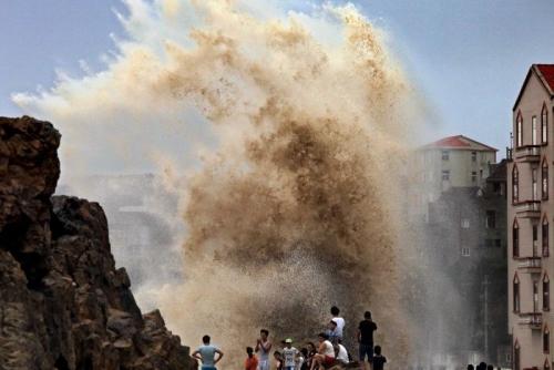 Bão Soudelor đổ bộ Trung Quốc đại lục, gây lũ quét làm ít nhất 8 người chết