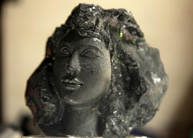 Độc đáo nghệ thuật điêu khắc trên than đá ở Quảng Ninh