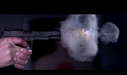 Video 73000 FPS ghi lại khoảnh khắc đạn ra khỏi nòng súng