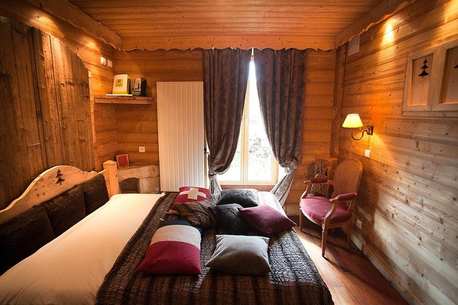 Độc đáo khách sạn duy nhất thế giới nằm trên lãnh thổ hai nước