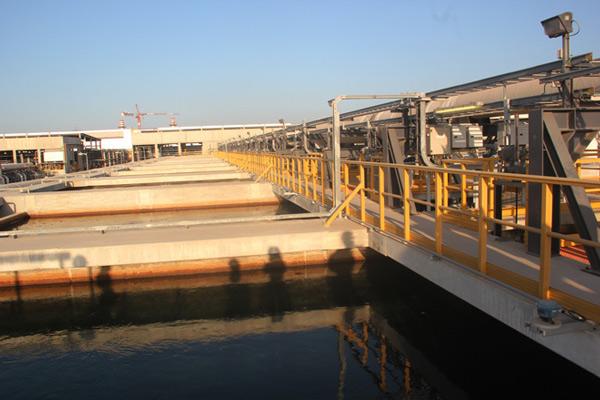 Tham quan nhà máy biến nước biển thành nước ngọt lớn nhất thế giới