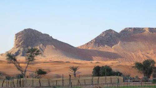 Những thành phố tráng lệ bị chôn vùi dưới cát sa mạc Dubai